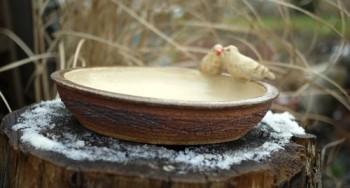 Točené keramické, zahradní pítko s ptáčky