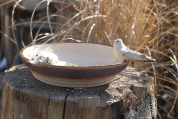 Keramické, zahradní pítko s ptáčky