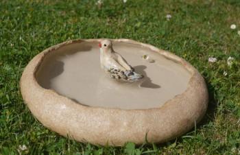 Keramické pítko s ptáčkem