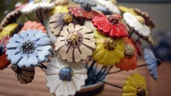 Keramcké dekorativní květiny