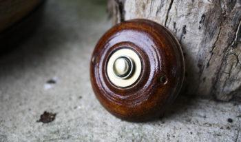 zvonkové tlačítko klasik čokoláda lucie polanská nikilu 2
