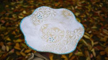 keramická dekorativní mísa květ bílá tyrkys lucie polanská 3