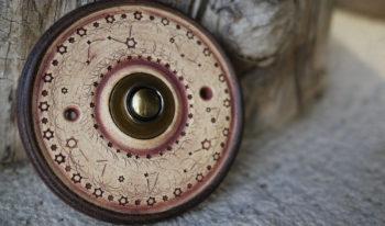 zvonkové tlačítko keramika mosaz souhvězdí čoko lucie polanská 1