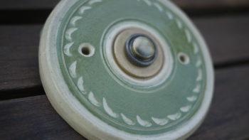 keramický domovní zvonek znamení zelený oliva3 lucie polanská nikilu