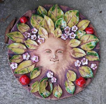 keramická plastika domovní znamení paní jabloň lucie polanská 4